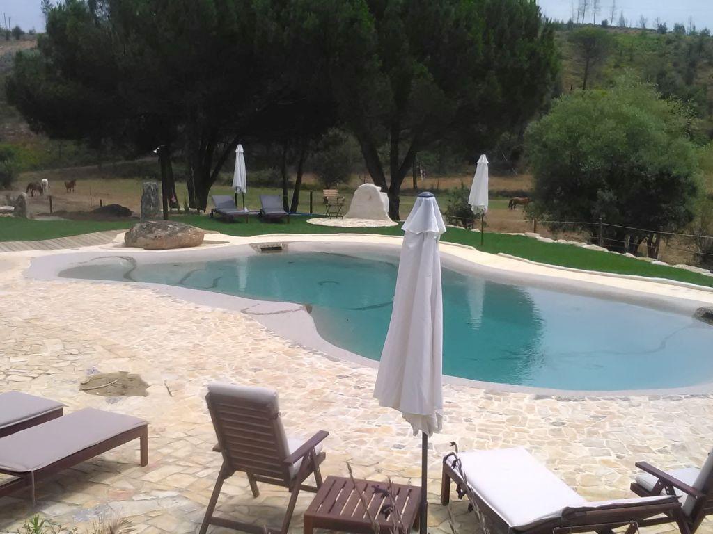zoutwater zwembad in Portugal vakantiehuisjes Quinta da Alegria