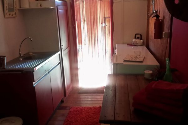 Farm holidays Portugal Gypsy wagon Kitchenette